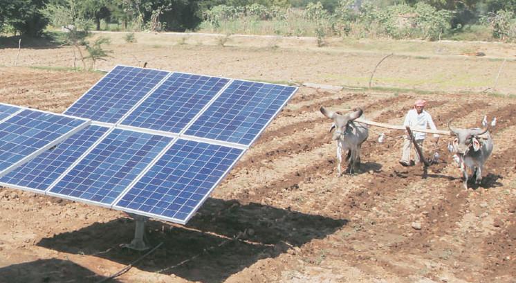 सौर ऊर्जा से चलने वाले पंप से किसानों को फायदा
