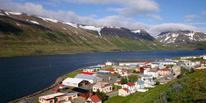 पहाड़ों को बचाने के लिए सौर ऊर्जा का इस्तेमाल